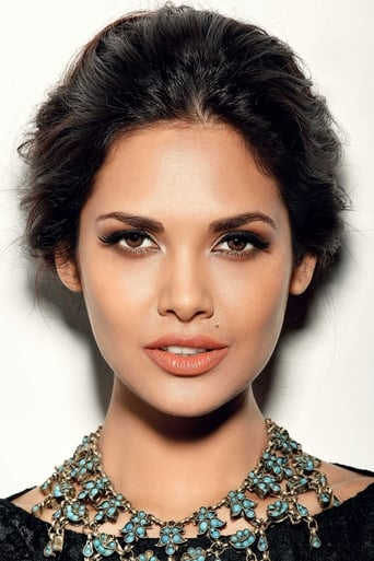 Image of Esha Gupta