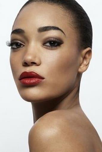 Image of Cassie Clare