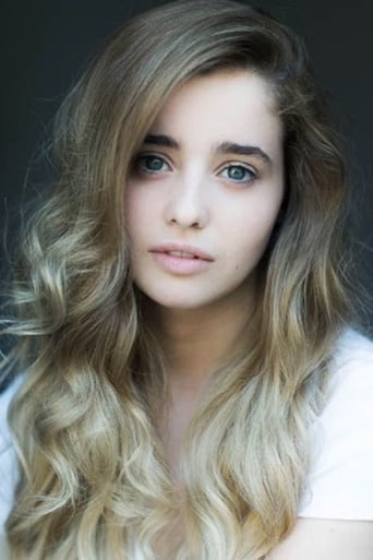 Image of Holly Earl