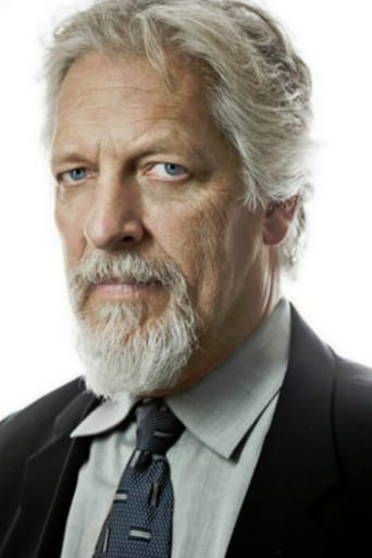 Clancy Brown alias Mr. Krabs (voice)