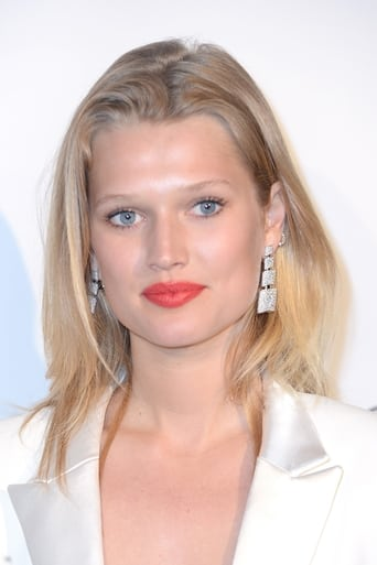 Image of Toni Garrn