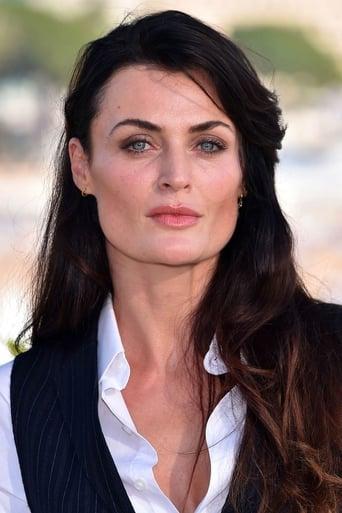 Image of Lyne Renee