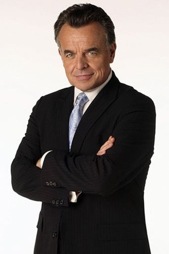 Ray Wise alias Perry White (voice)