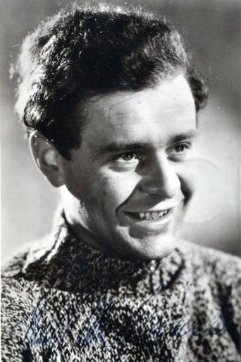 Image of Niall MacGinnis
