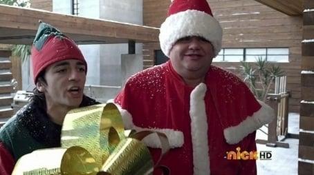 Wir hängen an Weihnachten