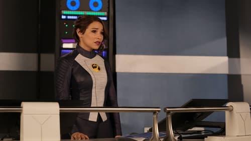 The Flash - Season 7 - Episode 17: Heart of the Matter (1)