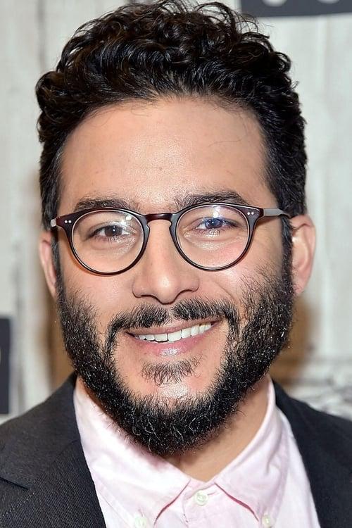 Kép: Ennis Esmer színész profilképe