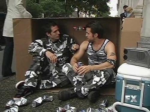 It's Always Sunny in Philadelphia - Season 4 - Episode 1: Mac and Dennis: Manhunters