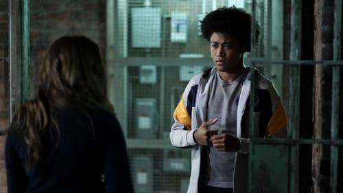 Legacies - Season 1 - Episode 7: Death Keeps Knocking On My Door