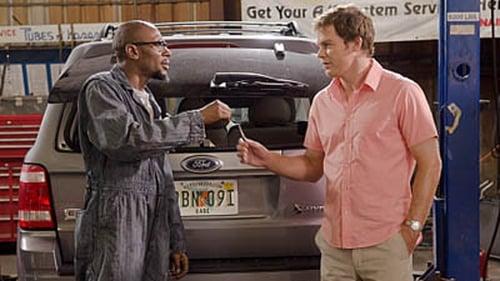 Dexter - Season 6 - Episode 3: Smokey and the Bandit
