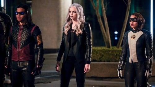 The Flash - Season 5 - Episode 22: Legacy