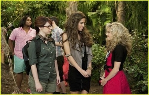 Pair of Kings: Season 2 – Episod The One About Mikayla's Friends