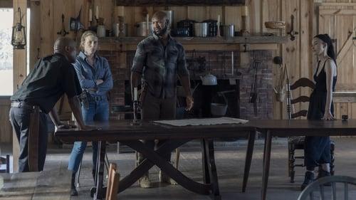 The Walking Dead - Season 10 - Episode 10: Stalker