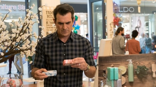 Modern Family - Season 9 - Episode 18: Daddy Issues