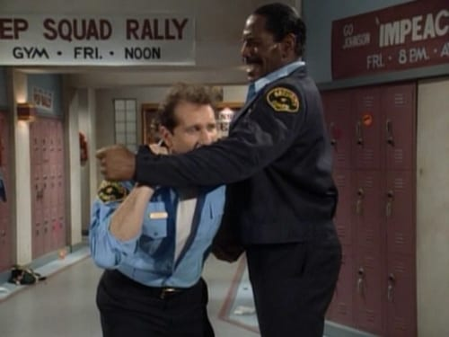 Married... with Children - Season 5 - Episode 16: All Night Security Dude