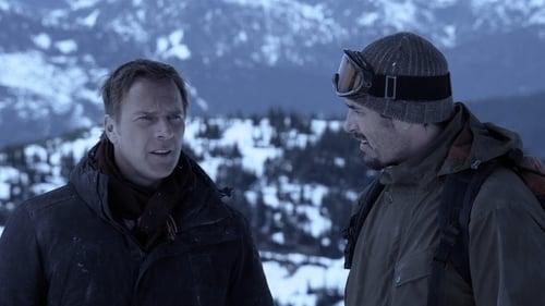 Christmas Icetastrophe (2014) UNCUT 720p BluRay Hollywood Movie [Dual Audio] [Hindi or English] x264 AAC ESubs