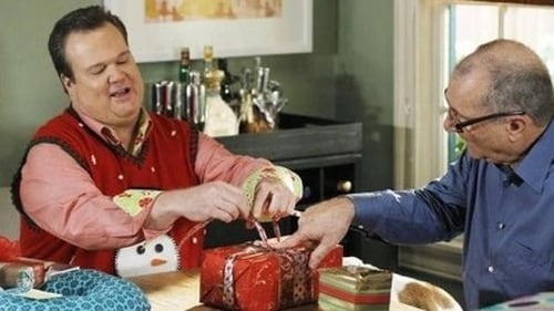 Modern Family - Season 3 - Episode 10: Express Christmas