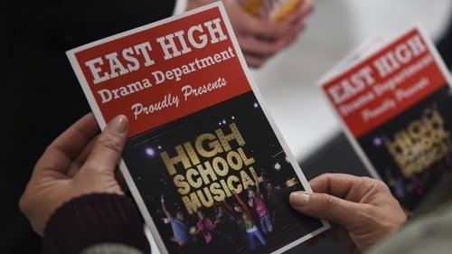 Assistir High School Musical: A Série: O Musical S01E09 – 1×09 – Dublado