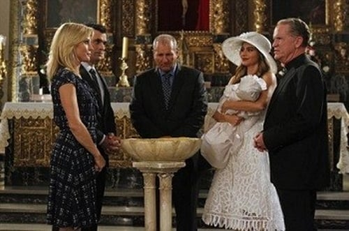 Modern Family - Season 4 - Episode 13: Fulgencio