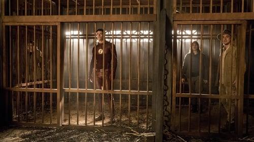 The Flash - Season 3 - Episode 13: Attack on Gorilla City (1)