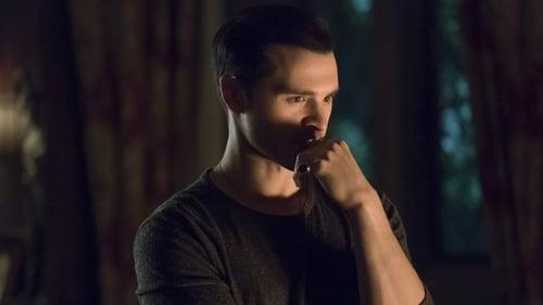 The Vampire Diaries - Season 7 - Episode 21: Requiem for a Dream