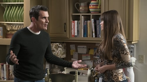 Modern Family - Season 9 - Episode 7: Winner Winner Turkey Dinner