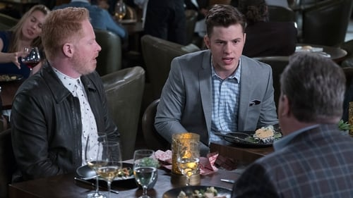 Modern Family - Season 9 - Episode 14: Written in the stars