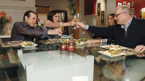 Modern Family - Season 5 - Episode 13: Three Dinners