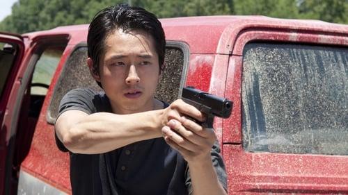 The Walking Dead - Season 3 - Episode 6: Hounded