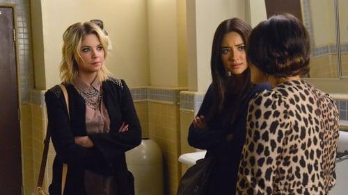 Pretty Little Liars - Season 3 - Episode 22: 22