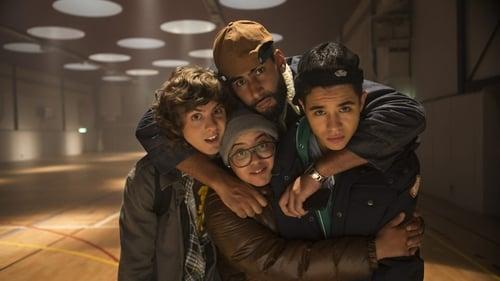 The Grad Job - Tu passes le bac, nous on le braque! - Azwaad Movie Database