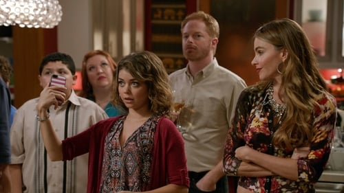 Modern Family - Season 5 - Episode 4: Farm Strong