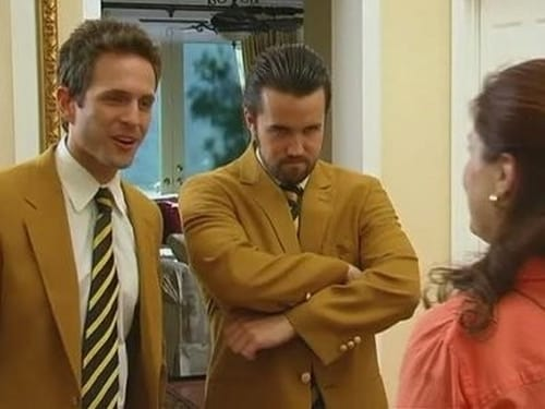 It's Always Sunny in Philadelphia - Season 5 - Episode 1: The Gang Exploits the Mortgage Crisis