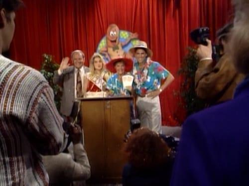 Married... with Children - Season 5 - Episode 18: Weenie Tot Lovers & Other Strangers