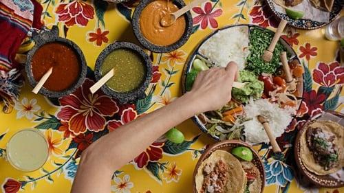Εικόνα της σειράς Στο Τραπέζι του Σεφ