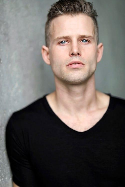 Kép: Kerry James színész profilképe