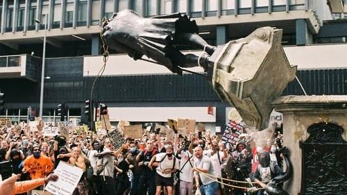 Download Statue Wars: One Summer in Bristol 4Shared