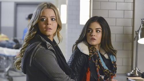 Pretty Little Liars - Season 5 - Episode 1: Escape from New York
