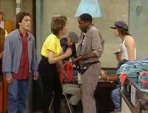 Watch the Latest Episode of Charles in Charge (S5E26) Online