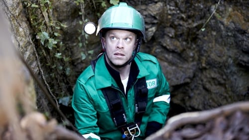 Casualty: Series 26 – Episode When the Gloves Come Off