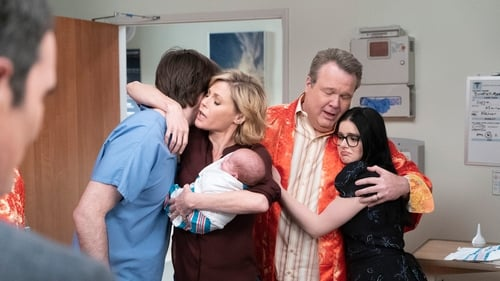 Modern Family - Season 10 - Episode 22: A Year of Birthdays