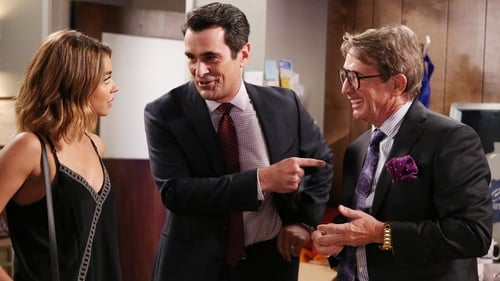 Modern Family - Season 8 - Episode 5: Halloween 4: The Revenge of Rod Skyhook