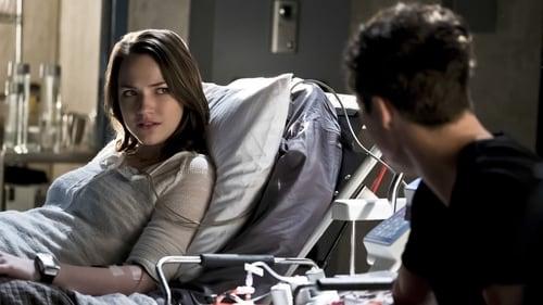 The Flash - Season 2 - Episode 16: Trajectory