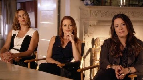 Pretty Little Liars - Season 0: Specials - Episode 10: 5 Years Forward
