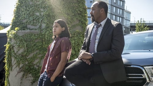 The Flash - Season 2 - Episode 1: The Man Who Saved Central City