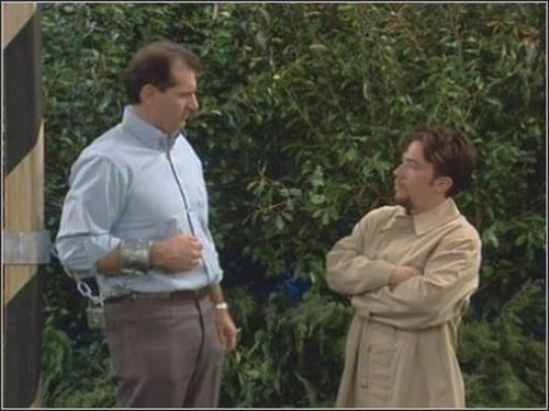 Married... with Children - Season 8 - Episode 19: Field of Screams