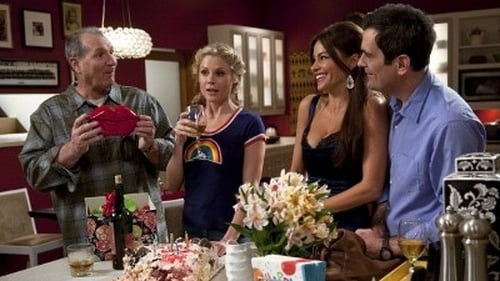 Modern Family - Season 2 - Episode 24: The One That Got Away