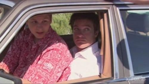 Arrested Development - Season 2 - Episode 1: The One Where Michael Leaves