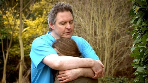 Holby City: Series 15 – Episod Divided We Fall