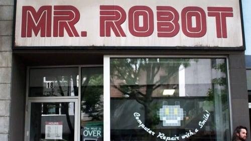 Mr. Robot - season_1.0 - Episode 9: eps1.8_m1rr0r1ng.qt